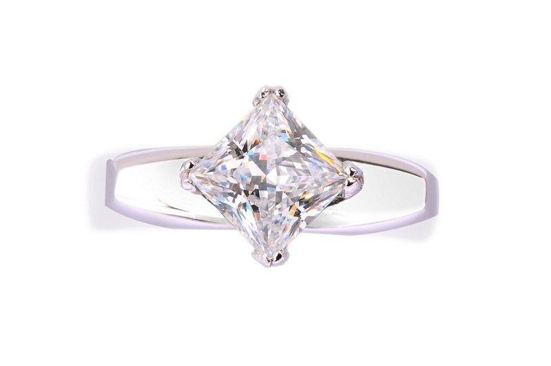 菱形美钻戒指 - 设计师品牌