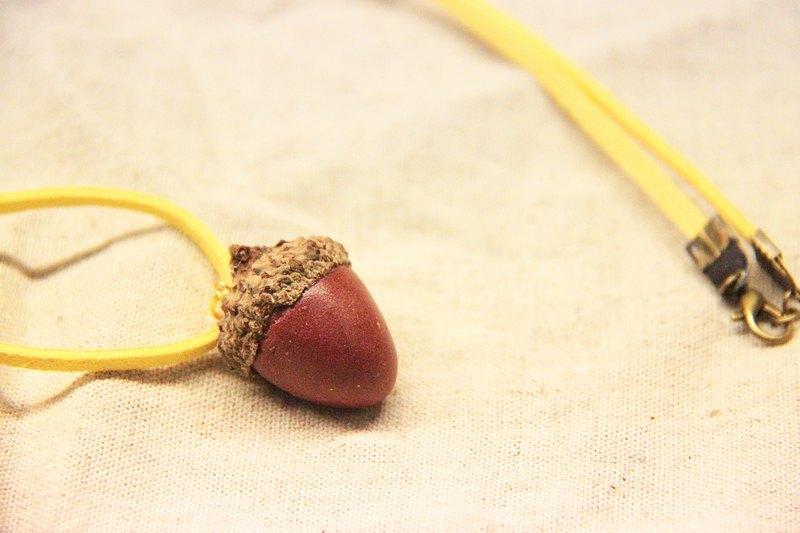 原创设计 台湾出品 / 商品故事 / 我在森林里 小松鼠分了我一颗橡果