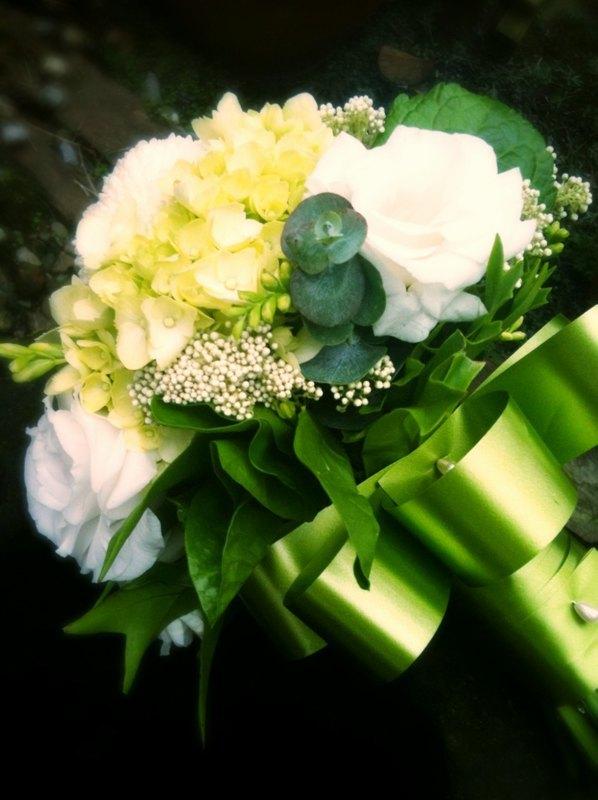 环保有机 手工制作 台湾出品 手扎花束是欧式花艺常见的手法 舍弃海绵