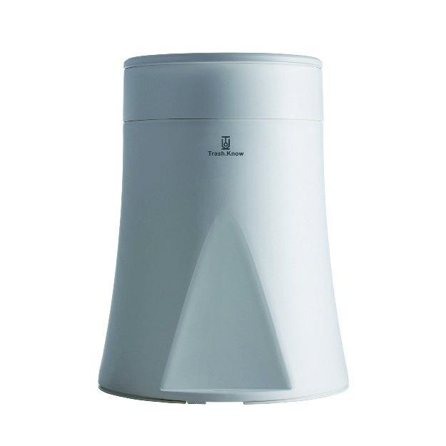 以往垃圾桶的造型,创作优美的桶身曲线并提升便利性