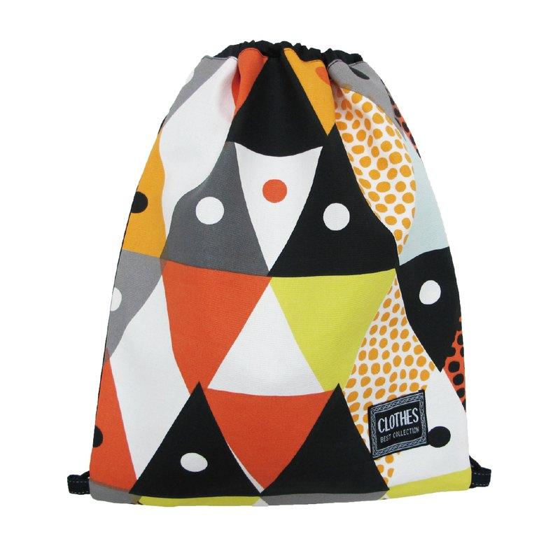 北欧几何三角包 - 设计师品牌 essenee - pinkoi