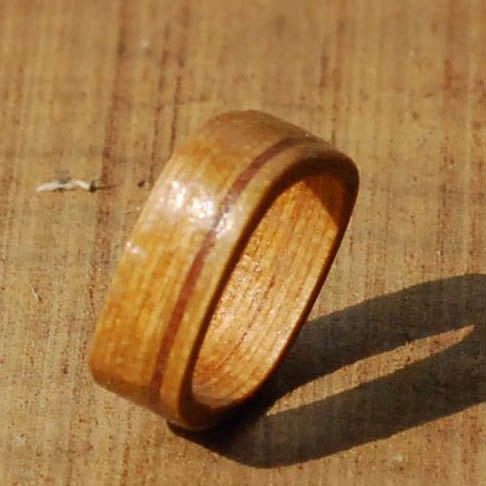 柚木条纹方形木头戒指