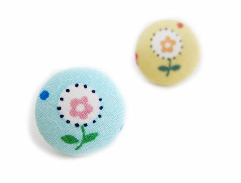 布扣耳环 蓝底黄底小白花 可做夹式耳环