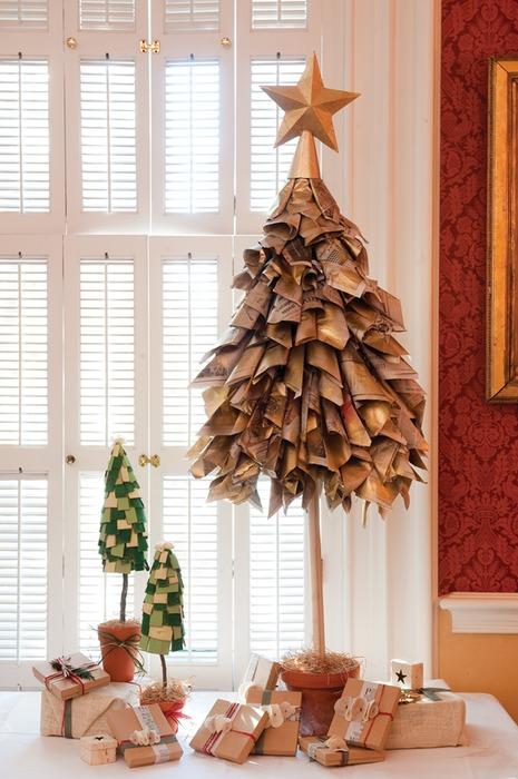 报纸圣诞树