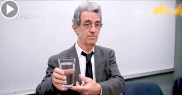 【畢生受用】一杯水有多重 哲學課教你放下生活壓力