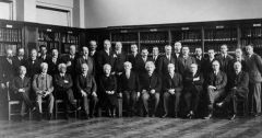 Solvay_conference_1930.jpg