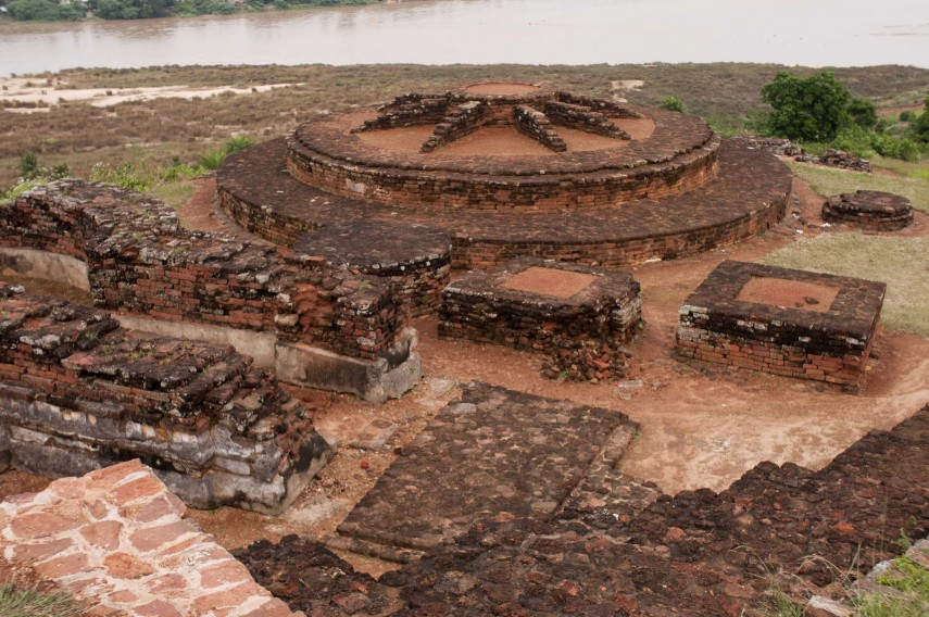 Salihundam_Historic_Buddhist_Remains_4_by_GPuvvada_2010