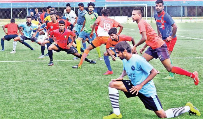 Santosh Trophy 2018 kicks off on 19 March and we look full preview; Santosh Trophy 2018 schedule, Santosh Trophy 2018 fixtures, Santosh Trophy 2018 points table, Santosh Trophy 2018 Groups and Santosh Trophy 2018 live streaming with Santosh Trophy 2018 live telecast details on DD Sports Live.