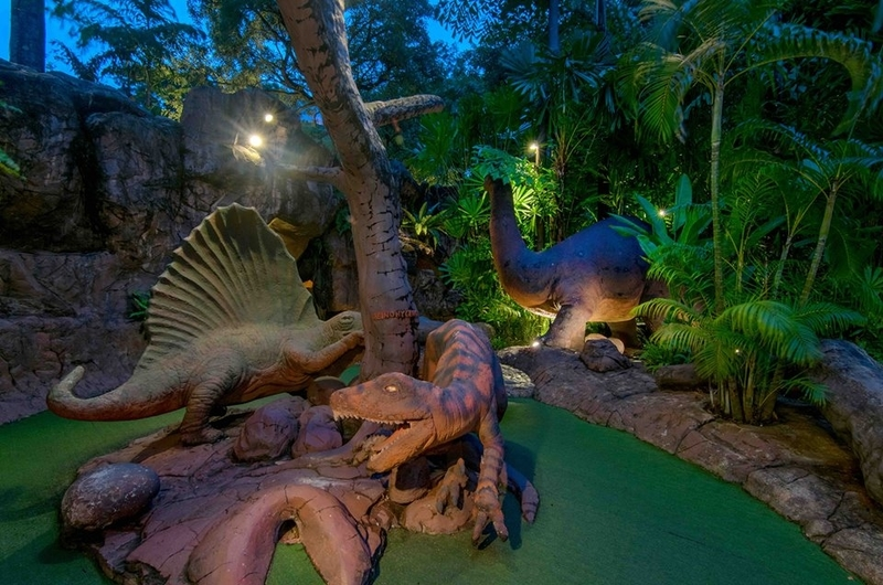 singapores-child-quick-family-trips-march-holidays-dino-park