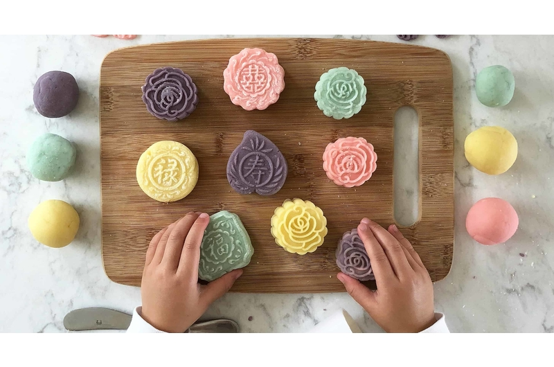 singapores-child-arts-and-crafts-activities-for-kids-this-mid-autumn-festival-playdough-mooncake