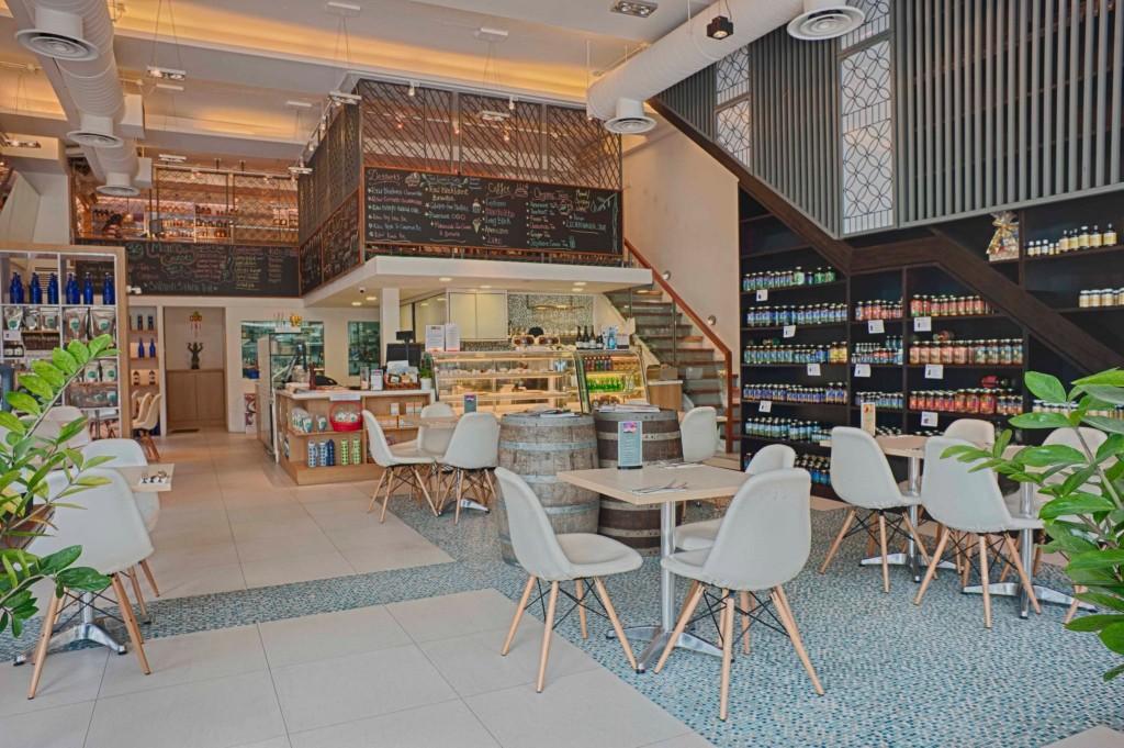 singaporeschild-family-cafe-living-cafe