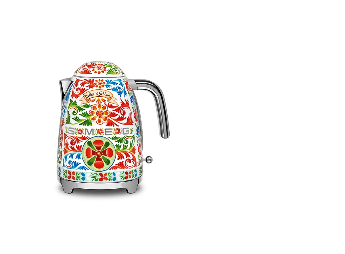 SquareRooms-SMEG--Smeg-Sicily-is-my-Love-D-&-G-Kettle