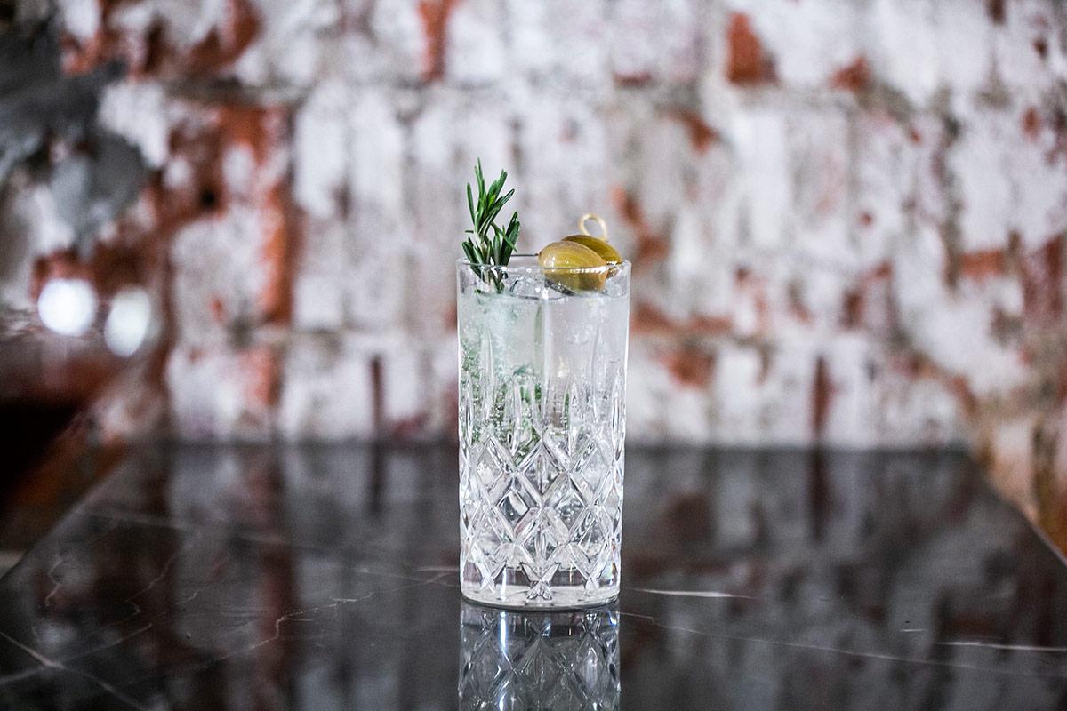 SquareRooms-Olivia-Restaurant-&-Lounge---Gin-Me-!!