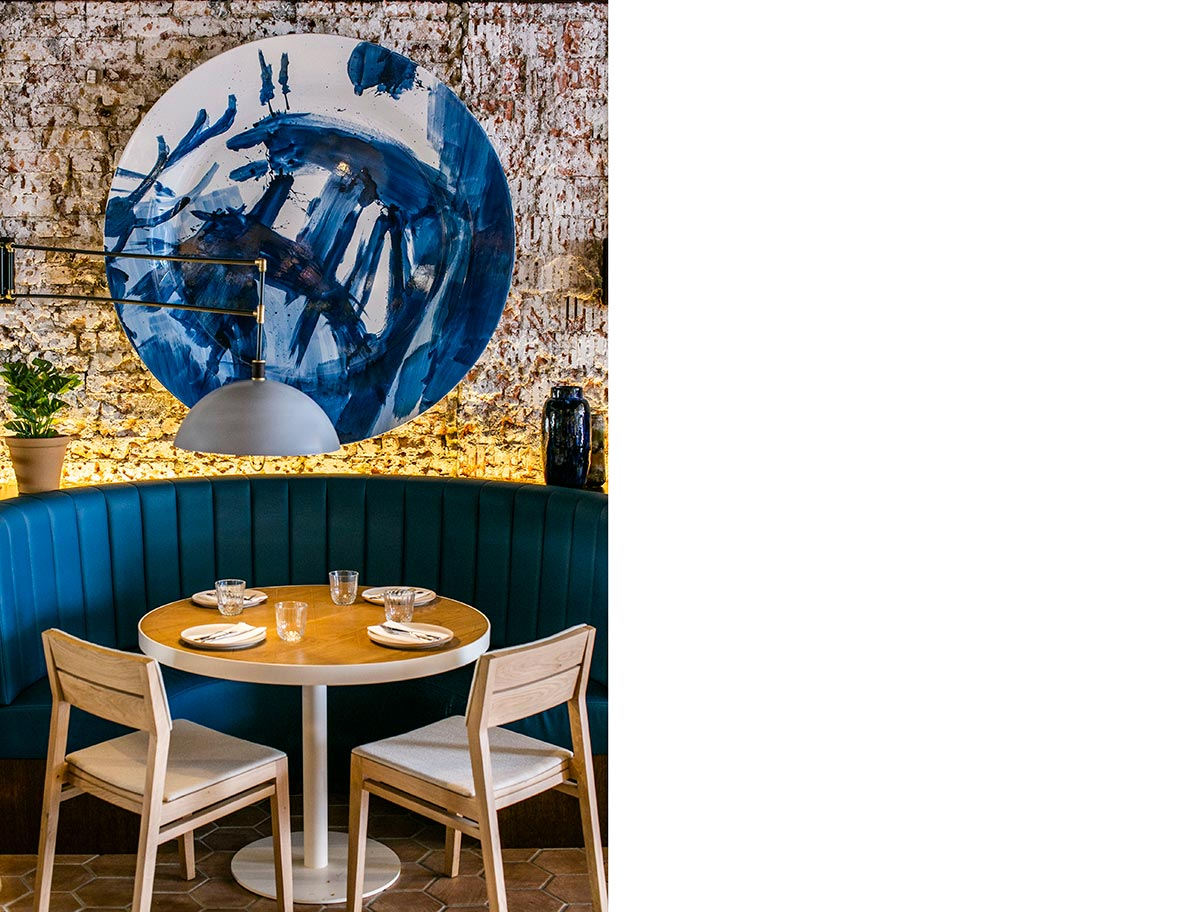 SquareRooms-Olivia-restaurant-banquette-seats