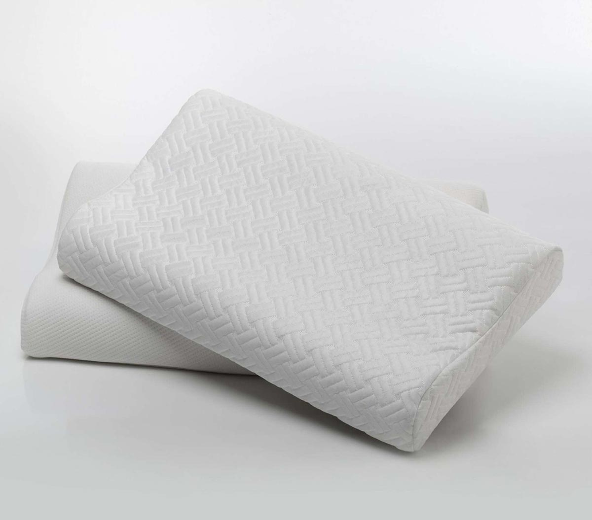 SquareRooms-Awards-Hennsley-Pillow