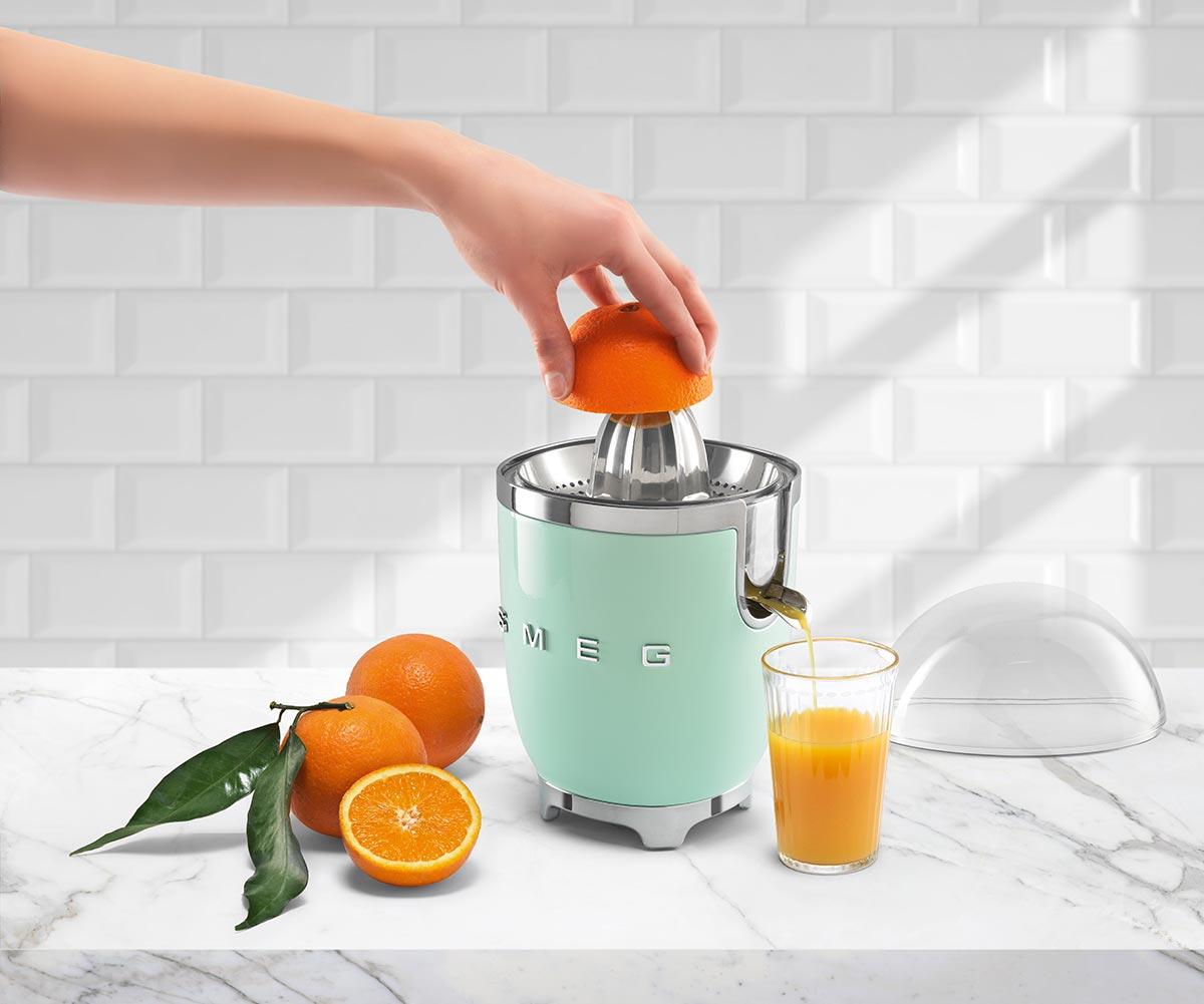 smeg-citrus-juicer