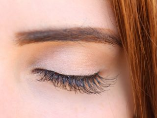 women eyebrow