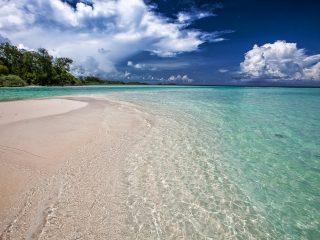 white-sand-beach-2252020_1280-1