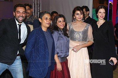 Abhay Deol Photobombs  Kalki Koechlin Huma Qureshi Zoya Akhtar and Reema Kagtis picture.jpg