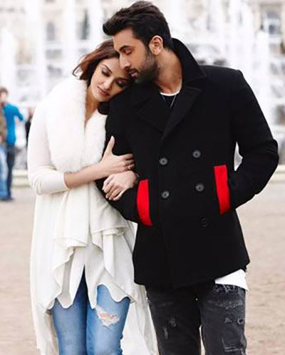 Aishwarya Rai Bachchan and Ranbir Kapoor in a Still from Ae Dil Hai Mushkil.jpg
