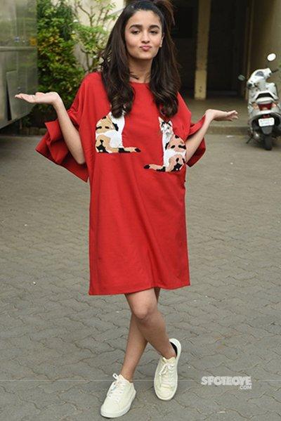Alia Bhatt at Dear Zindagi promotions.jpg