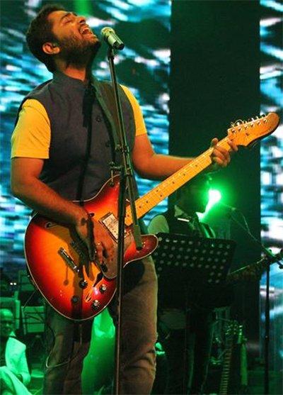 Arijit Singh Performing.jpg