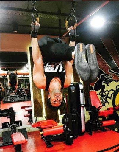 Himmanshoo Malhotra working out.jpg
