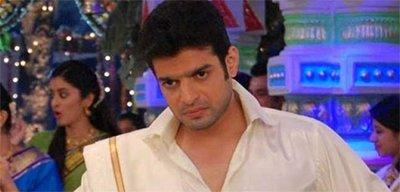 Karan Patel Stalls Yeh Hai Mohabbatein .jpg