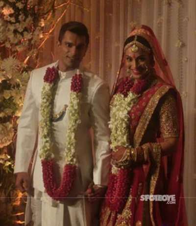 Karan Singh Grover and Bipasha Basu.jpg