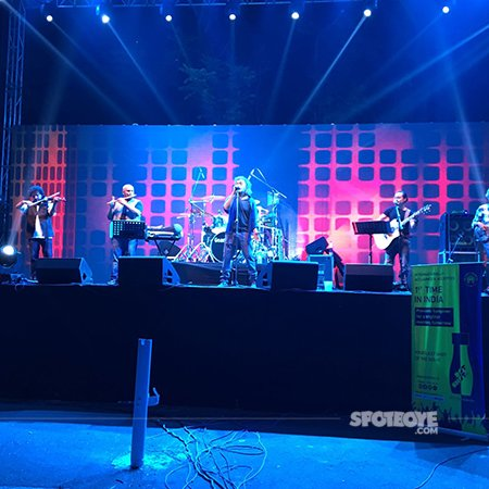 Lucky Ali mesmerises the audience.jpg