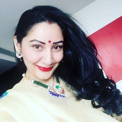 Maanayata Dutt at Karwa Chauth celebration.jpg