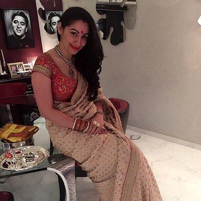 Maanayata Dutt in her Karwa Chauth attire.jpg