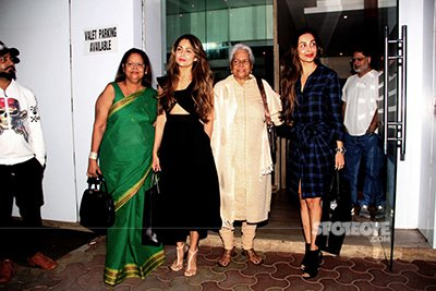 Malaika Arora and Amrita Arora spend Karva Chauth together with thier family.jpg