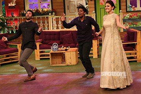 Ranbir Kapoor and Anushka Sharma on The Kapil Sharma Show sets.jpg