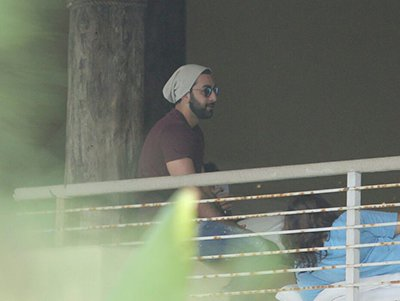 Ranbir Kapoor at SRK Birthday Bash.jpg