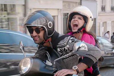 Ranbir and Anushka on scooter.jpg