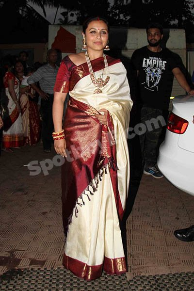 Rani Mukerji at sindoor khela celebrations.jpg