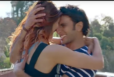 Ranveer Singh and Vaani Kapoor in Ude Dil Befikre Song -1.jpg