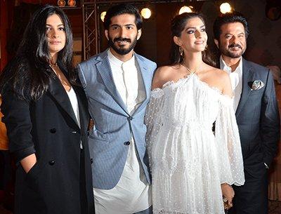 Rhea Kapoor -Sonam Kapoor-Harshvardhan Kapoor and Anil Kapoor.jpg