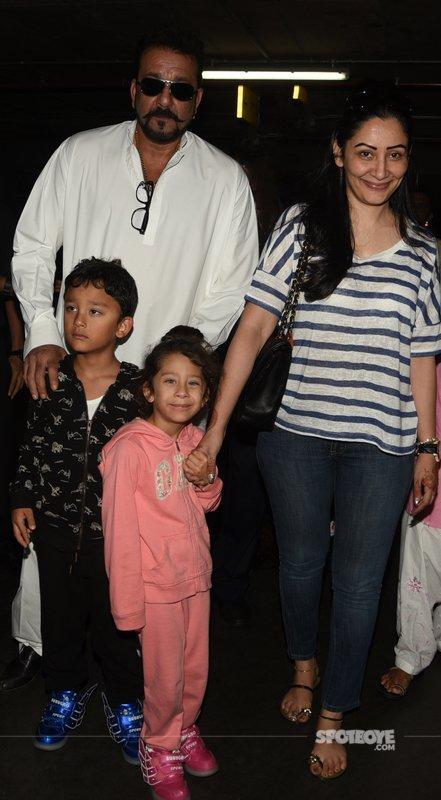 Sanjay Dutt With Family.jpg