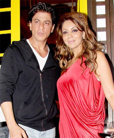 ShahRukh Khan and Gauri Khan Celebrate Their 25th Anniversary.jpg