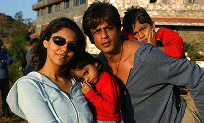 Shah Rukh Khan, Gauri Khan, Aryan Khan and Suhana Khan.jpg