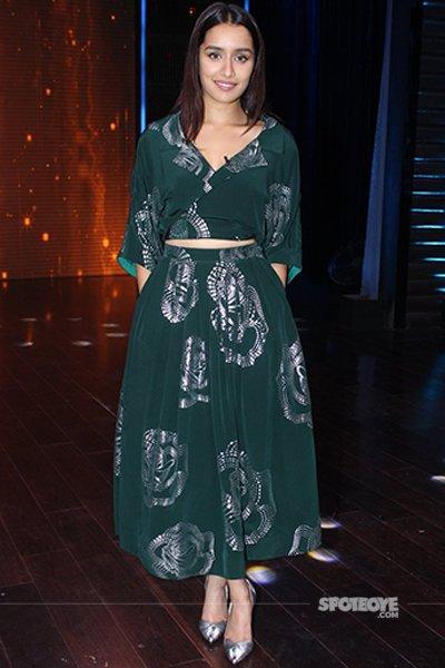 Shraddha Kapoor on the sets of Yaaron Ki Baarat.jpg