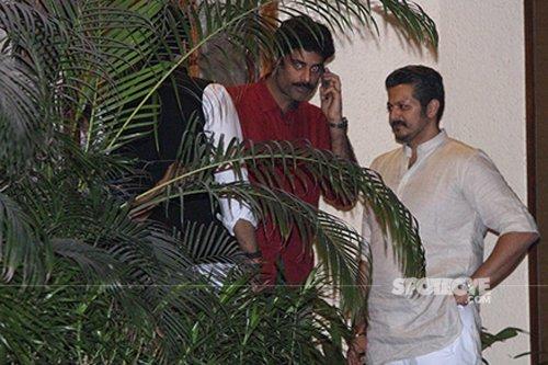 Sikander Kher spotted at Aishwarya Rai Bachchan 43rd Birthday.jpg