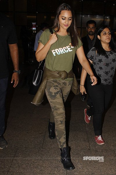 Sonakshi Sinha at the airport post Force 2 Promotions.jpg