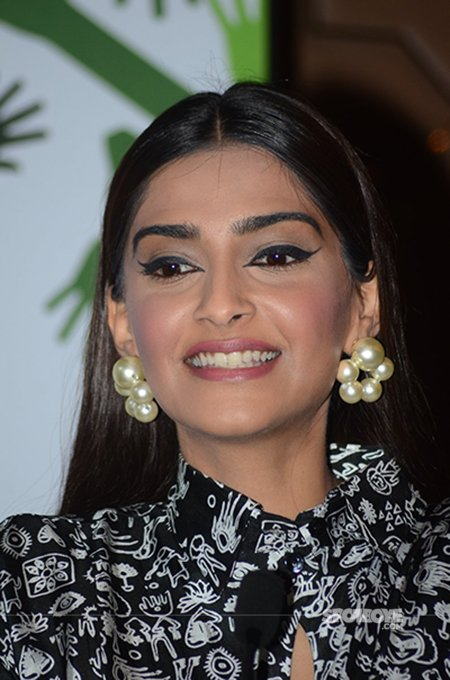 Sonam Kapoor snapped at an event.jpg