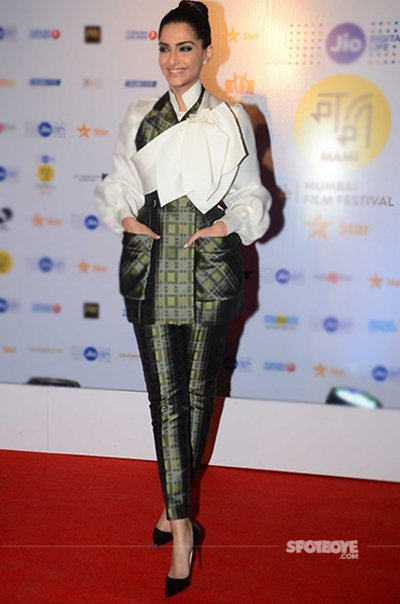 Sonam Kapoor spotted at Jio MAMI event.jpg