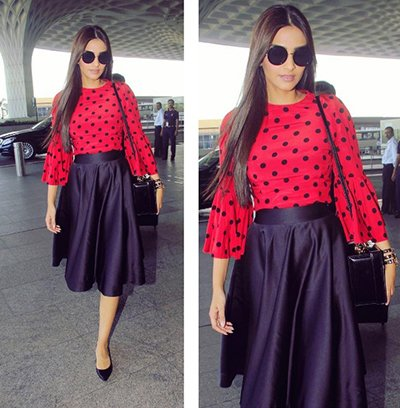 Sonam Kapoor was spotted at the airport.jpg