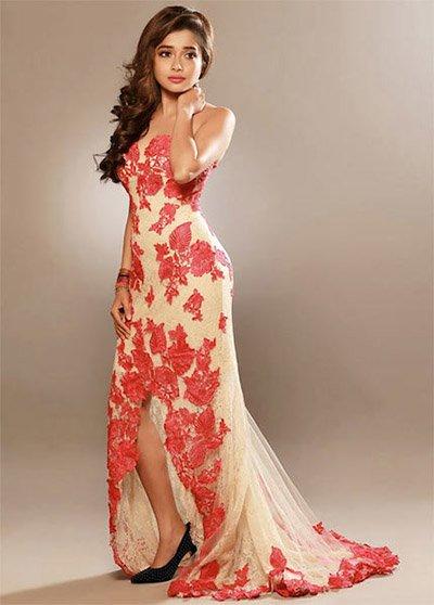 Tina Dutta hot figure.jpg