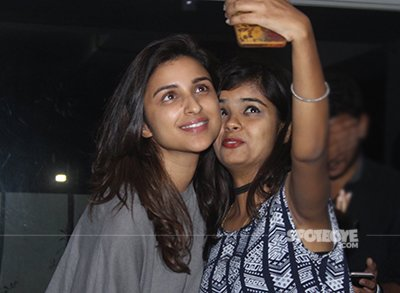 parineeti   Selfie with fans.jpg